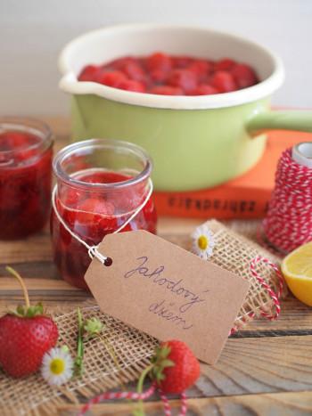 Jahodový džem s trstinovým cukrom a giveaway