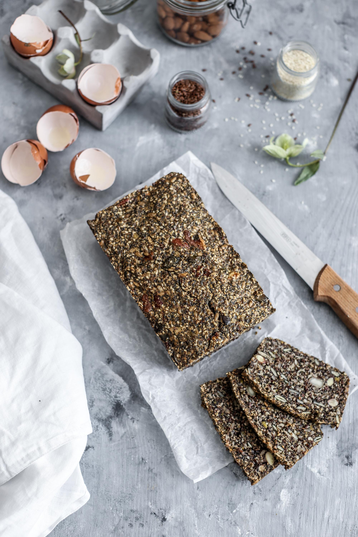 Super semiačkovo - orechový chlieb bez múky