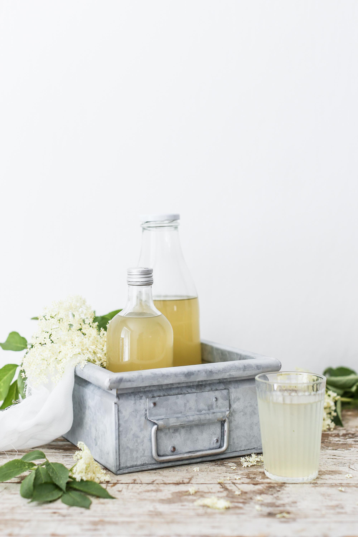 Domáci bazový sirup s medom