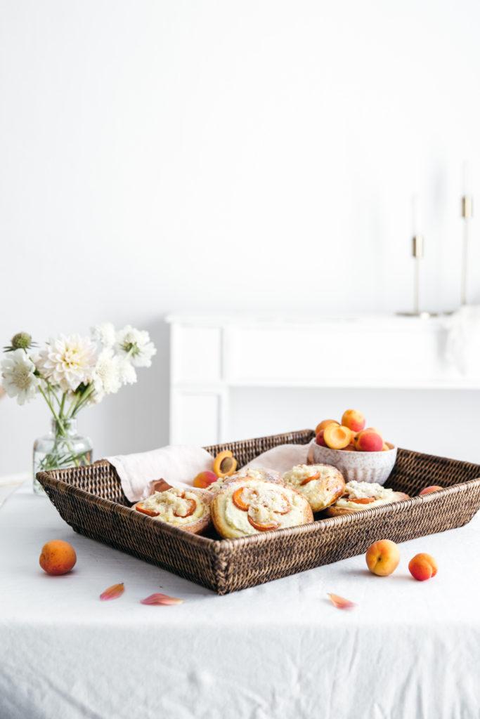 apricot kolatche