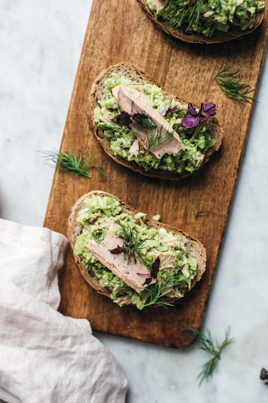 Sviatočný tuniakovo-avokádový šalát